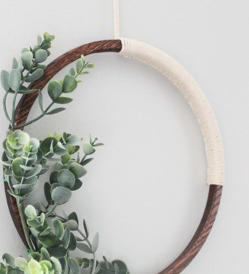 close up of simple modern wreath